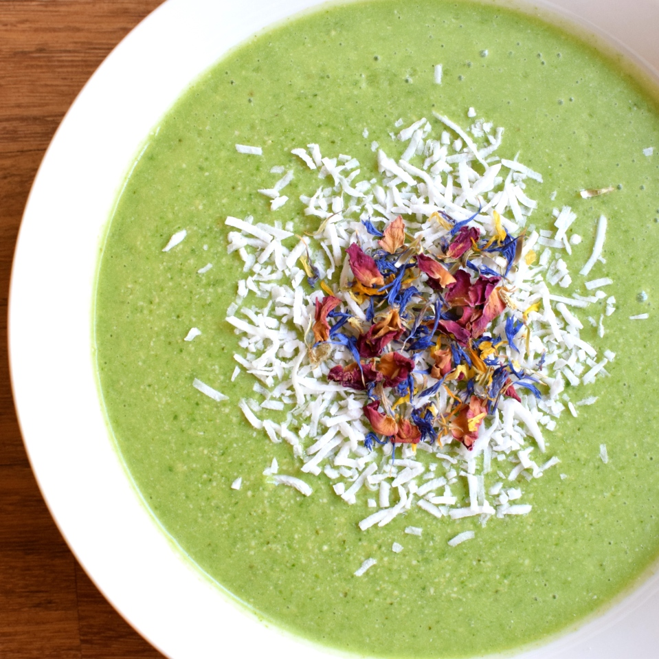 IQS Green Coconutty Smoothie Bowl