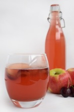 Apple, cherry and cardamom fizz from Simplicious