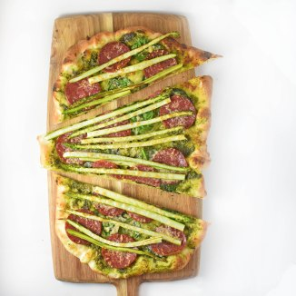 Asparagus pizza